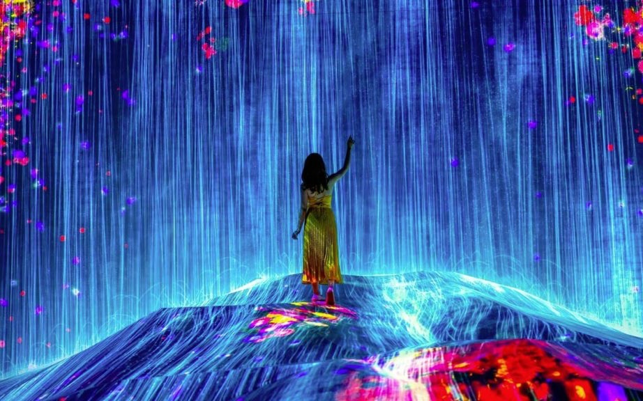 Waterfall of light at Teamlab Borderless